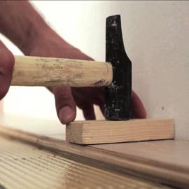 качественно монтаж Массивной доски на стяжку