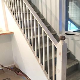 лаком покрыть лестницы